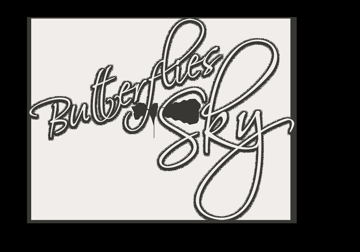 Taidenäyttely Pirjo Saarela Butterflies in the Sky